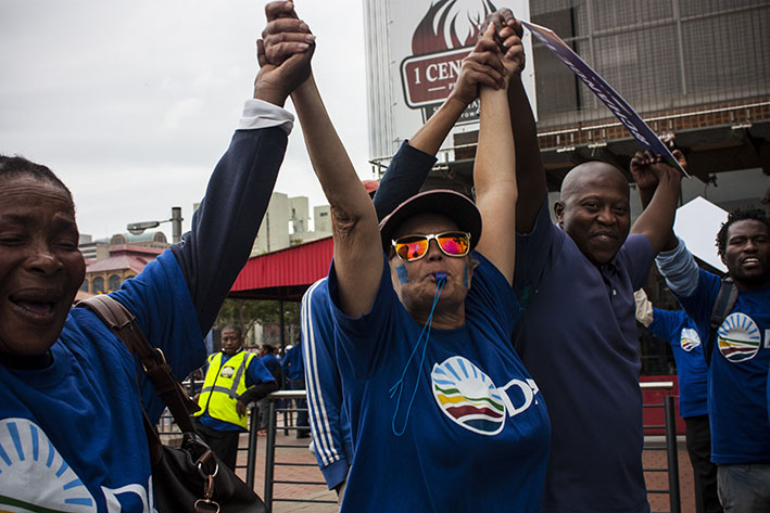 About 6000 people of all races gathered on Mary Fitzgerald Square in a DA-led march to oppose the Zuma-led government. 7 April 2017. Photo: Steve Kretzmann/WCN