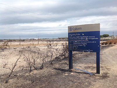 Nuclear power plant threatened by veld fire