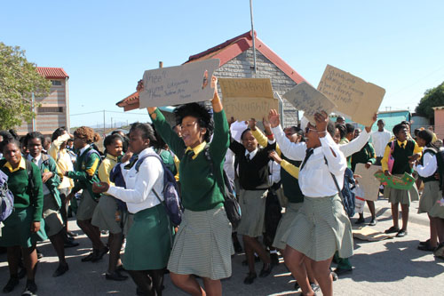 Learners at Dr Nelson Mandela High in Crossroads held a counterprotest in favour of the reappointment of their principal Linda Mnothoza after teachers and students have stalled classes by protesting against his reinstatement since school started last week. Photo: Nombulelo Damba/WCN