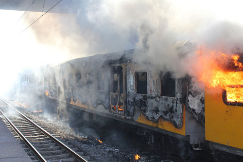 Ticket dodgers blamed for Metrorail fire
