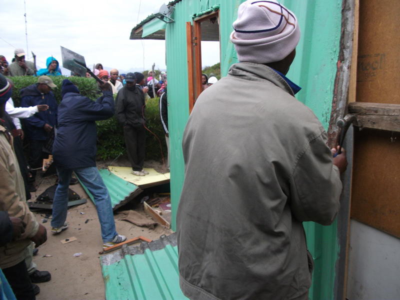 Residents destroy rapists' shacks after brutal attack