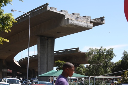 Unfinished freeways, Cape Town. Photo: Sandiso Phaliso/WCN