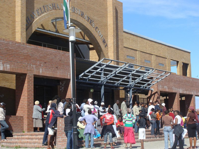 Workers rubbish Khayelitsha Magistrate's Court