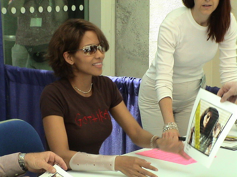 Halle Berry wows township NGO