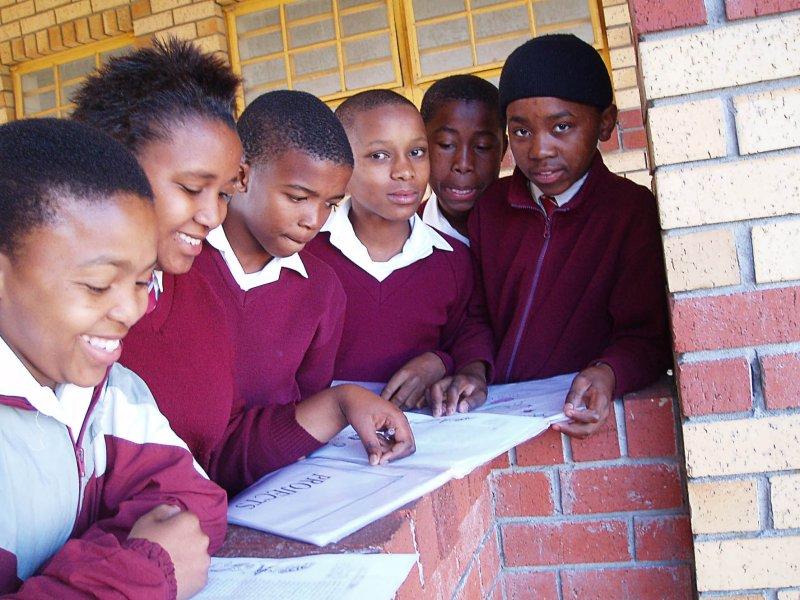 Pupils teach themselves while teachers strike