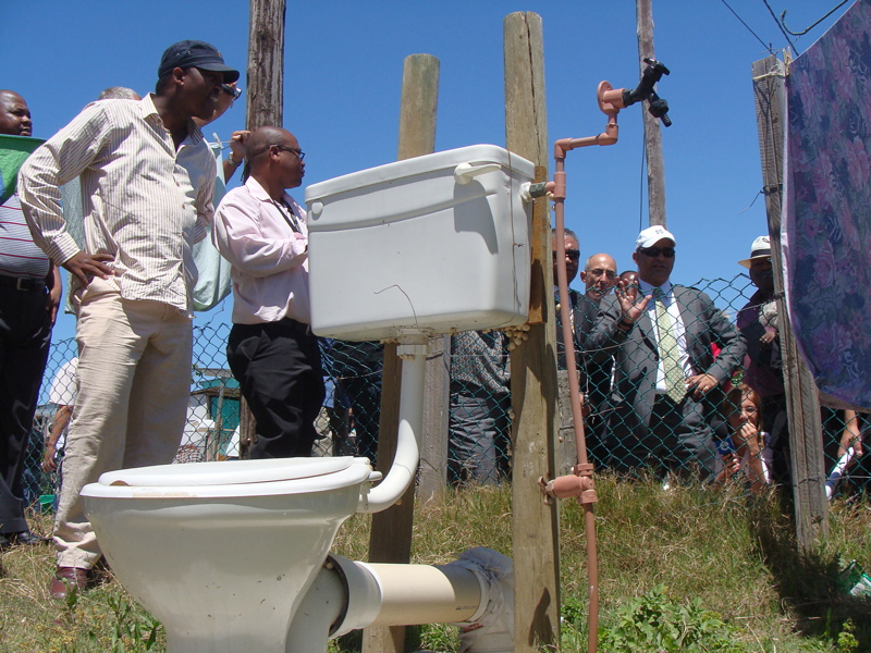 Judge inspects Makhaza toilets