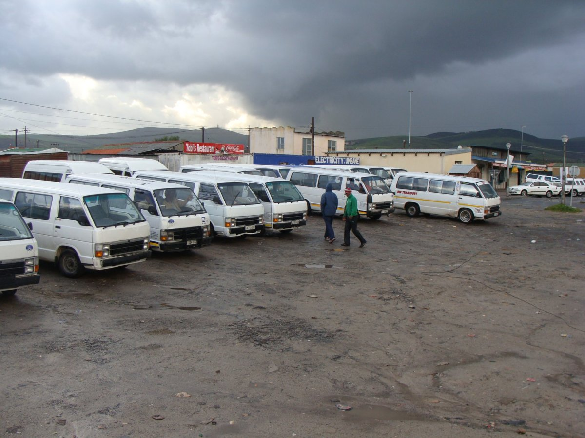 Cape Town taxi bodies deny ripping off stranded commuters
