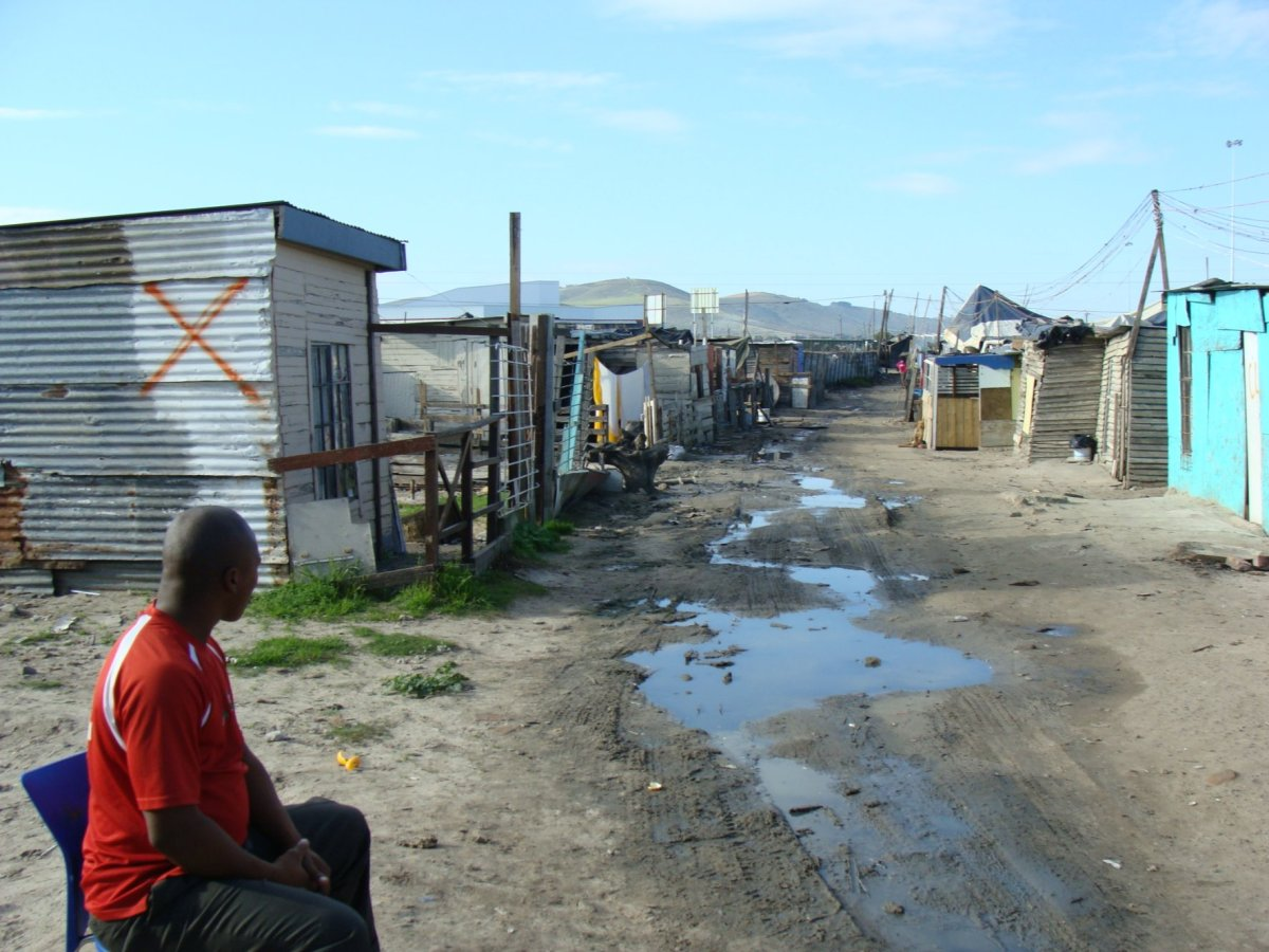 Shack dwellers angry at being moved for IRT road