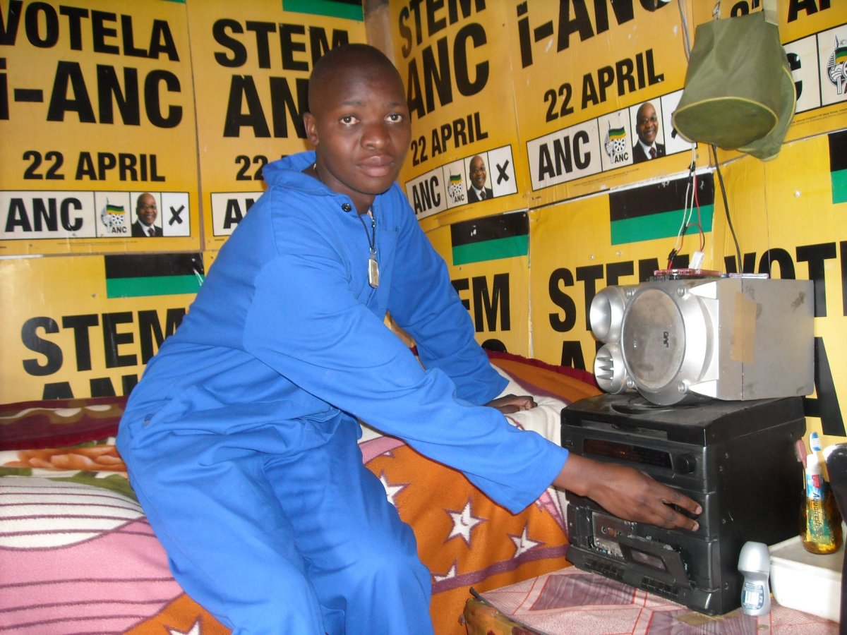 Election poster building boom for informal settlements