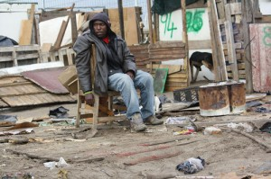 Graveyard shack dwellers refuse to relocate