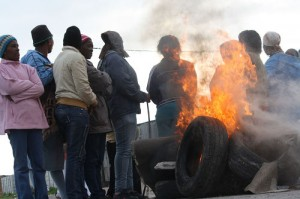 Tyres burnt in protest over lack of houses in Delft