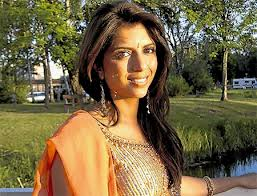 Witness links Dewani murder accused to convicted taxi driver